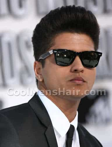 Picture of Bruno Mars hairstyle.